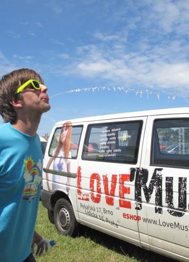 LOVEMUSIC HODNOTÍ: FESTIVALOVÁ SEZÓNA 2011