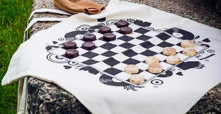 9 podob dámy: Klasická desková hra ve variantách, které jste nikdy nezkusili, ale měli byste