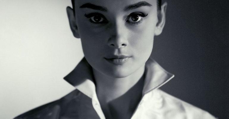 Audrey Hepburn? Měla by se najíst.
