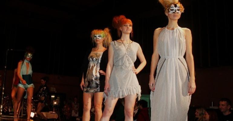 Nakupujte lokálně na předvánočním Factory Fashion Marketu